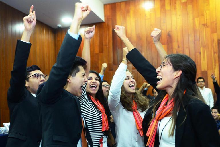 Carlos Alonso, Neftaly Pérez, María Fernanda Téllez, Camila Ojeda y Ana Romero. Foto: Francisco Cruz.