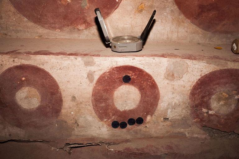 Se pensaba que la decoración pictórica fue elaborada hacia el año 200 d.C., en realidad fueron hechas entre los años 300 y 400 de nuestra era.