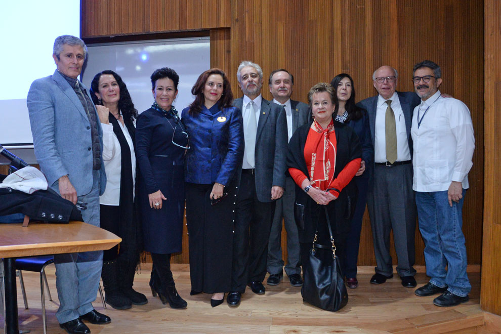 Familiares y amigos de la museógrafa. Foto: Francisco Parra.