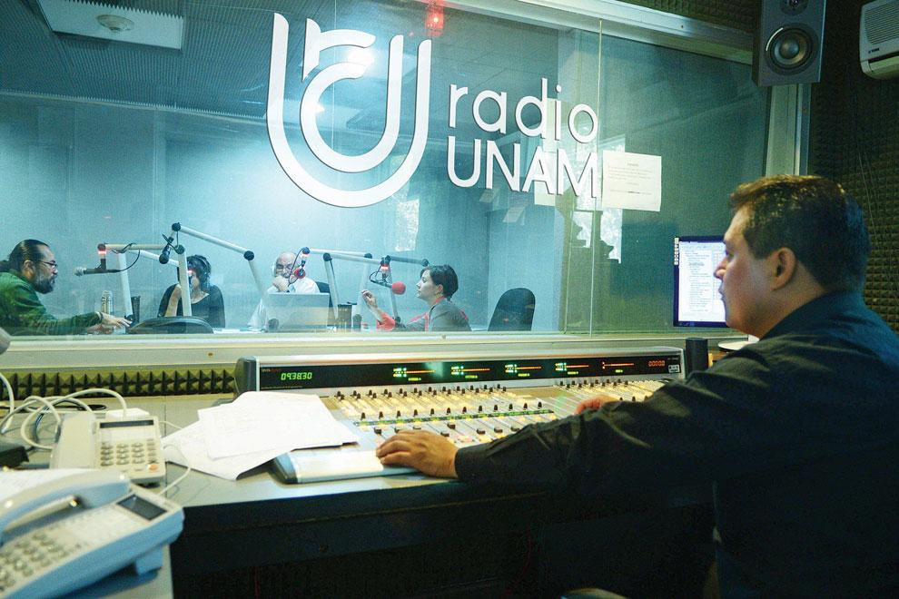 190214-cult2-f3-radio-UNAM