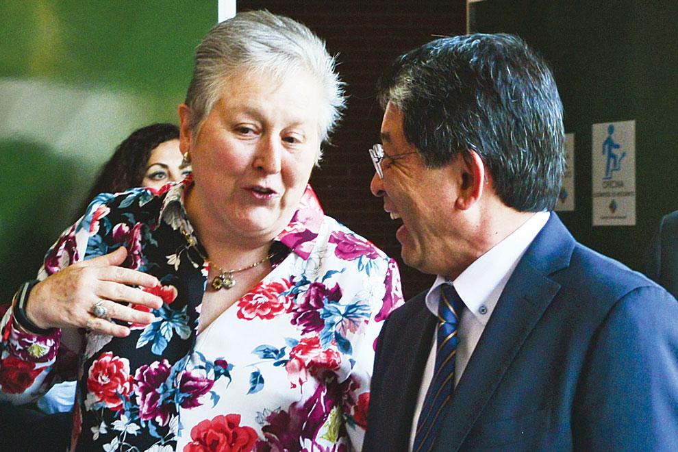 Patricia Dávila y Alberto Ken Oyama. Foto: Víctor Hugo Sánchez.