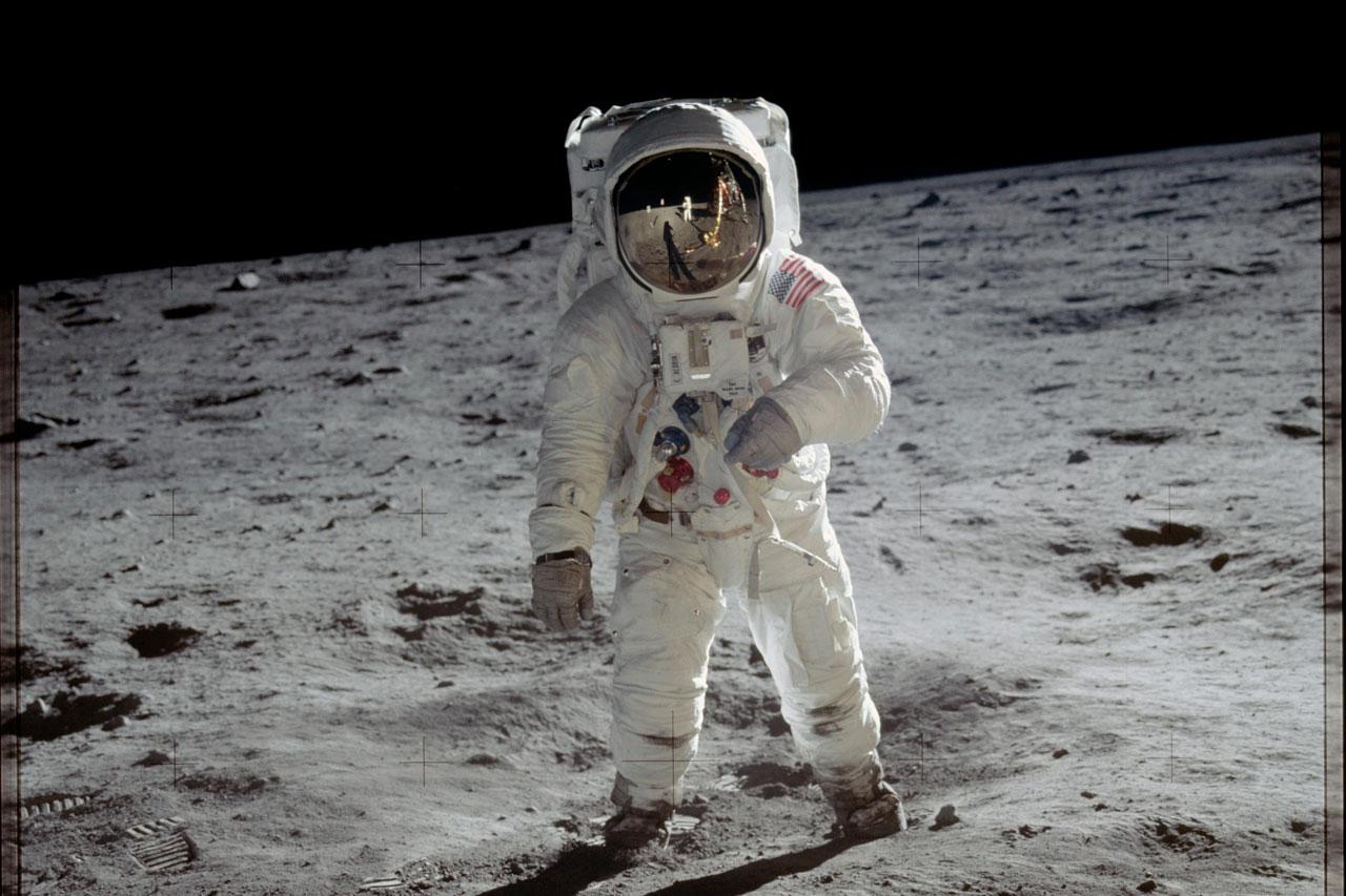 Aldrin sobre la superficie de la Luna durante la misión del Apolo 11. Esta fotografía fue tomada por Armstrong con un cámara de 70 milímetros. Foto: NASA. Foto: NASA.